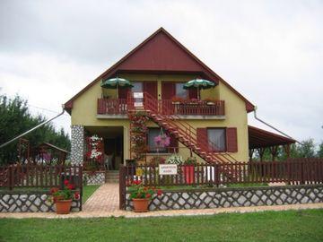 Domki przy kąpielisku termalnym na Węgrzech ( domek na wsi )