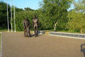 tanie noclegi nad morzem.Mieszkanie Gdańsk -wolny termin jeszczew sierpniu: 26-31 VIII.  Plaża 10 minut spacerkiem.