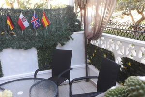 Słonce, błękitne niebo i plaża = Costa Blanca / Hiszpania.